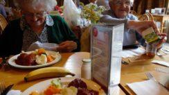 Quelles sont les bonnes pratiques physiques et alimentaires qu'un senior doit adopter ?