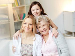 les seniors famille heureuse